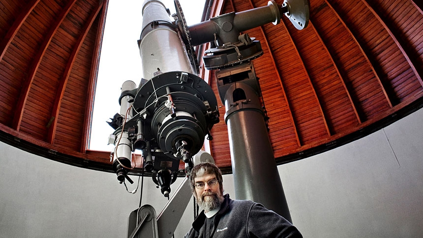 U.S. Jesuit Brother Guy Consolmagno, director of the Vatican Observatory, is pictured at the observatory in Rome in this Dec. 12, 2007, file photo. When Apollo 11 astronaut Neil Armstrong gingerly stepped onto the surface of the moon July 20, 1969, Brother Consolmagno, then 16, had no idea that some day he would become the director of the Vatican Observatory. (CNS photo/Annette Schreyer)