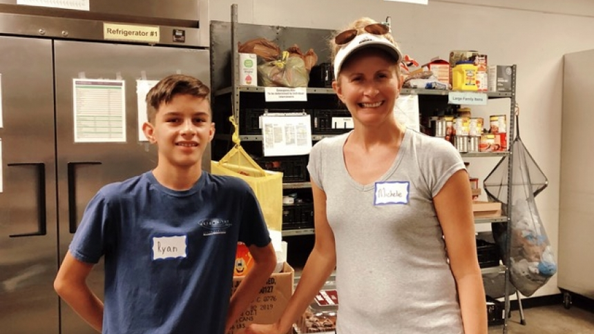 Young volunteers take steps to combat hunger in their community