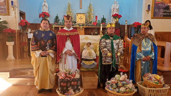 Faithful celebrate Three Kings' Day